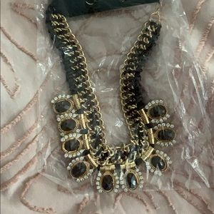 Jewelry - Brown and gold statement necklace